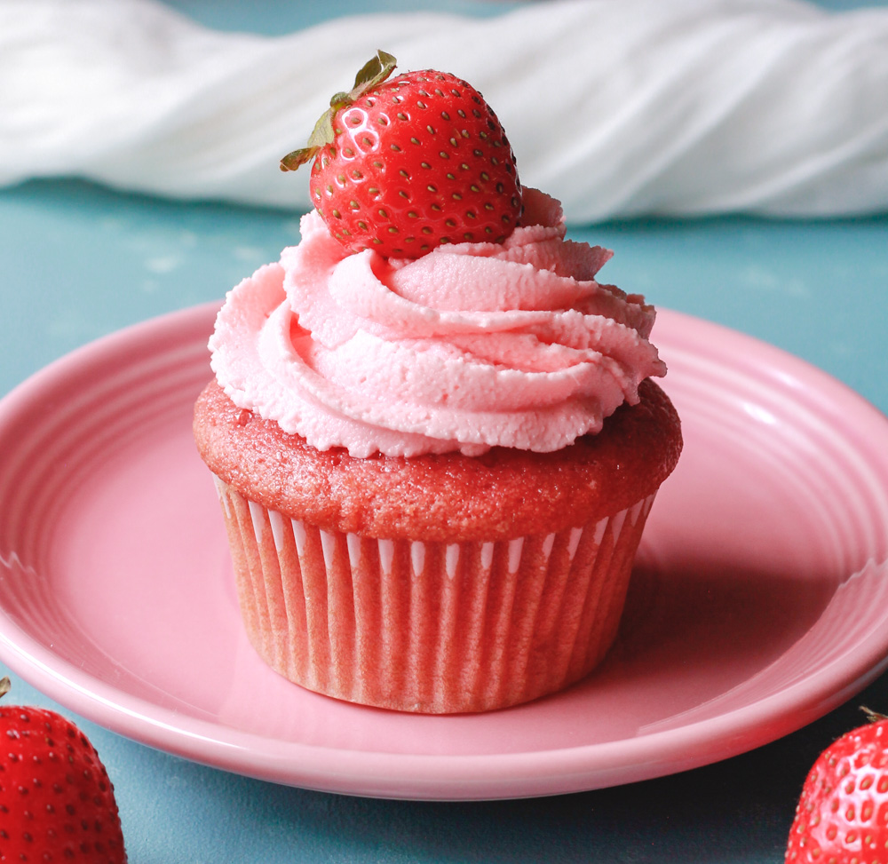 Vegan Strawberry Cupcakes with Strawberry Buttercream